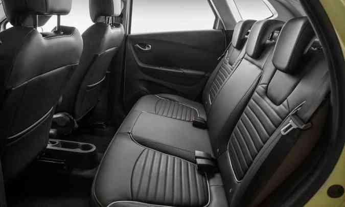 Espaço traseiro é bom e bancos em couro são opcionais(foto: Renault/Divulgação)