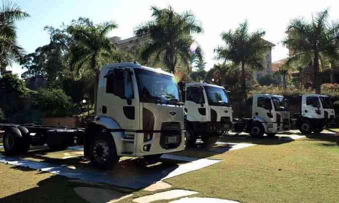 Lado a lado, as quatro novas versões do Ford Cargo(foto: Ford/Divulgação)