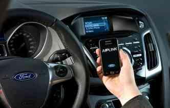 Sistema agora suporta atualização dos 16 aplicativos que funcionam na plataforma(foto: Ford / Divulgação)