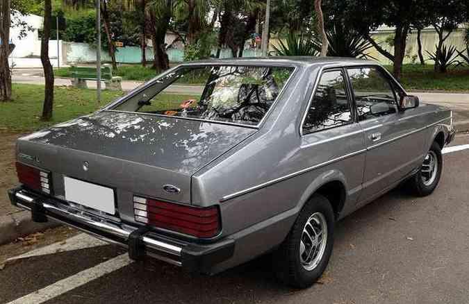 Já fora da fazenda e pronto para ser vendido: Corcel II L 1984(foto: Júlio Raridades/Divulgação)