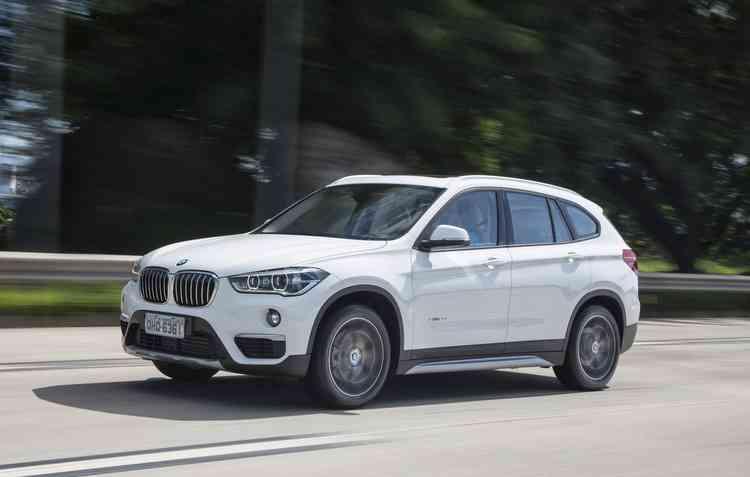 X1 está com desconto de R$ 12 mil - BMW / Divulgação