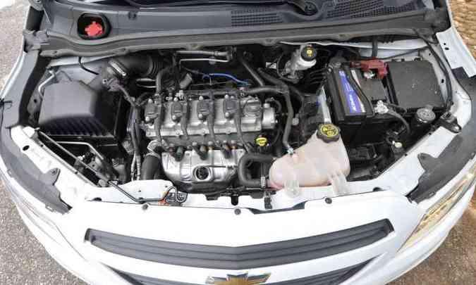 O velho motor 1.0 quatro-cilindros foi retrabalhado para entregar melhor consumo e desempenho(foto: Juarez Rodrigues/EM/D.A Press)