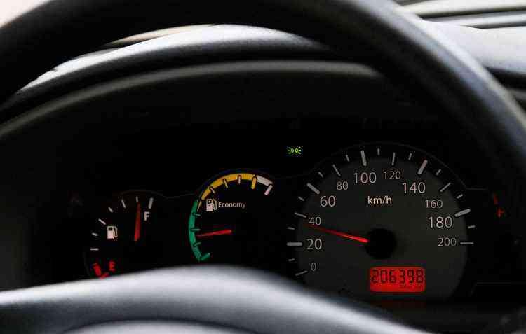 Velocidade constante gasta menos combustível - Ricardo Fernandes / DP