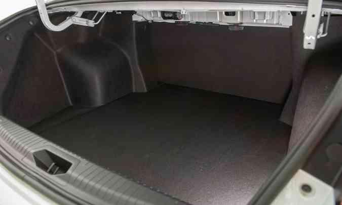 O porta-malas do Chery Arrizo 6 Pro é o maior do segmento, com 570 litros de capacidade(foto: Caoa Chery/Divulgação)