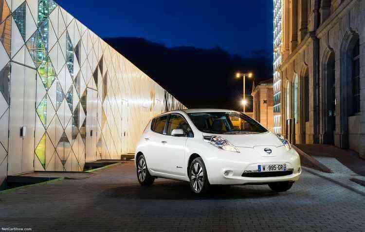 Outra falta grande no maior Salão do mundo é o modelo verde da Nissan, o Leaf - Nissan/Divulgação