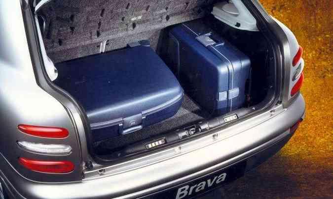 Porta-malas tem volume de 370 litros(foto: Fiat/Divulgação)