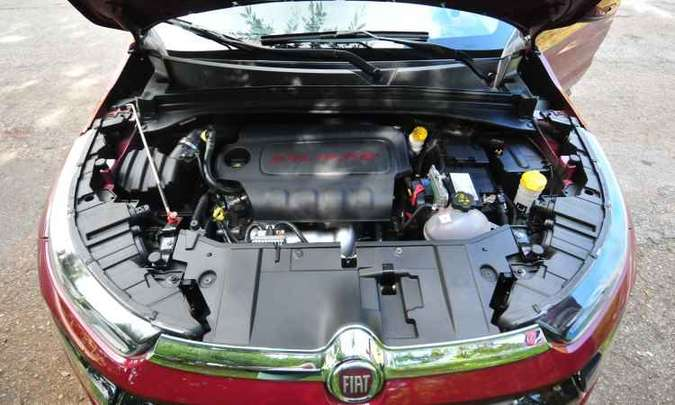 O motor 2.4 litros tem 186cv e 24,9kgfm de torque quando alimentado com etanol(foto: Alexandre Guzanshe/EM/D.A Press)