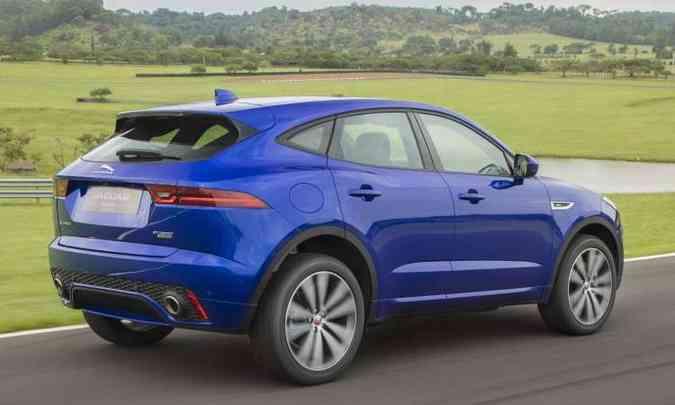 Modelo tem linhas esportivas e conta com câmbio automático de nove velocidades e tração integral(foto: Jaguar/Divulgação)