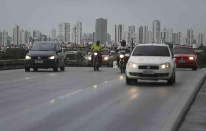 Faróis de neblina e de milha podem até ser opcionais, mas auxiliam na estrada(foto: Rafael Martins/ DP)