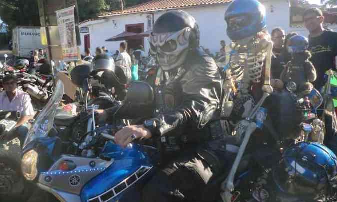 O estilo do piloto combina com a garupeira (foto: Fred Mancini/Bike Fest/Divulgação)