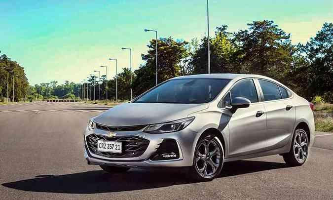 O Cruze sedã volta a oferecer a versão LTZ, que traz grade e para-choque do Sport6(foto: Chevrolet/Divulgação)