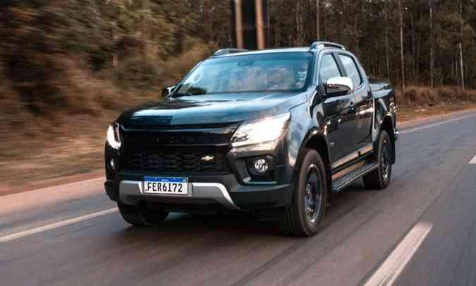 A versão High Country traz o nome Chevrolet em destaque na grade dianteira, que agora tem a gravatinha dourada menor(foto: Jorge Lopes/EM/D.A Press)