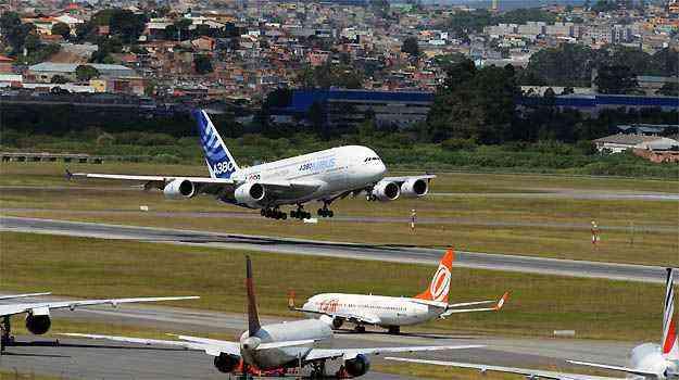 Teste do Airbus A380 realizado no Aeroporto de Guarulhos em 2012 - H. Gousse/ Divulgacao