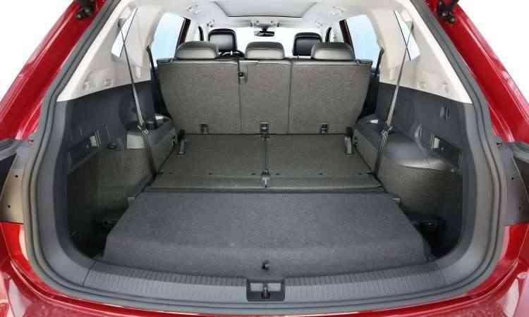Versão Comfort, de 7 lugares, com a terceira fileira recolhida: porta-malas de 686 litros - Volkswagen/Divulgação