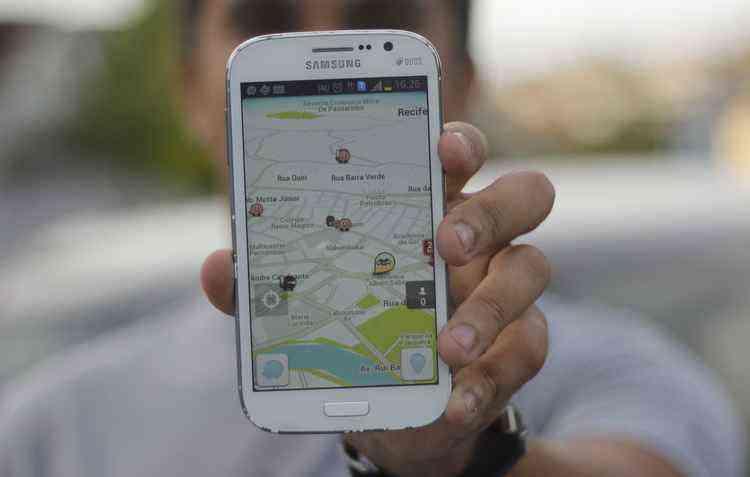 Google libera Waze para Android Auto - Débora Rosa / Esp. DP