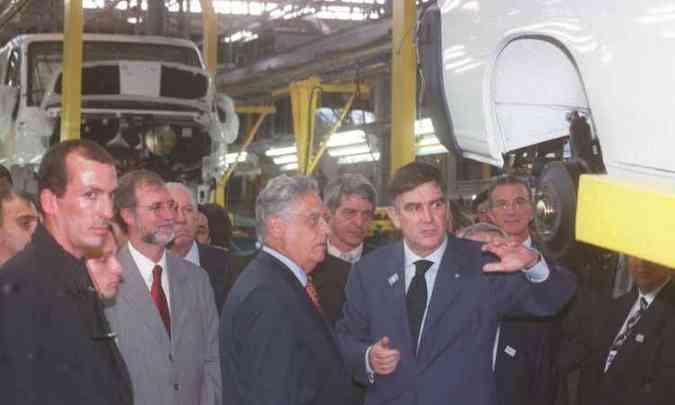 Inauguração da linha contou com a presença do então governador de Minas Eduardo Azeredo e o presidente Fernando Henrique Cardoso(foto: Sidney Lopes/EM/D.A Press 10/11/2000)