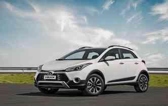 Opção aventureira recebeu rodas com detalhes em preto. Foto: Hyundai / Divulgação