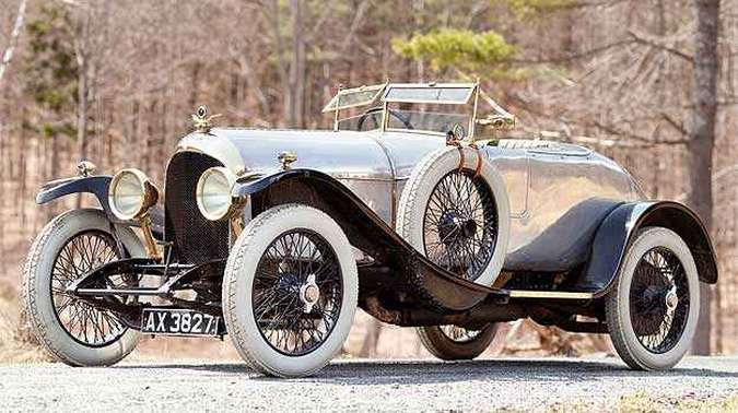 Bentley 3 litros 1921 é o mais antigo da marca e está à venda (foto: Gooding & Company/Divulgação )