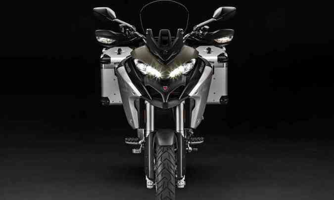 A iluminação conta com LEDs e proporciona interessante aspecto ao modelo(foto: Ducati/Divulgação)
