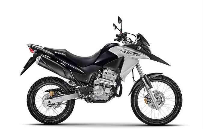 Honda XRE 300 tem pegada robusta e freios Combined ABS(foto: Divulgação)