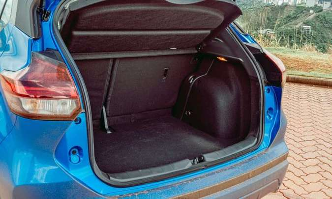 Com 432 litros de capacidade, o porta-malas do Nissan Kicks é um dos maiores do segmento(foto: Jorge Lopes/EM/D.A Press)