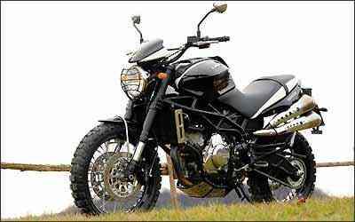 O motor tem dois cilindros em V e fornece 117cv - Moto Morini/Divulgação