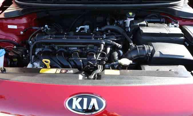 O motor é 1.6 flex que desenvolve 123cv (g) e 130cv (e), com torques de 16kgfm (g) e 16,5kgfm (e)(foto: Kia/Divulgação)