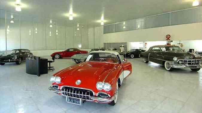 Concessionária se especializou para atender clientes de carros antigos e raros