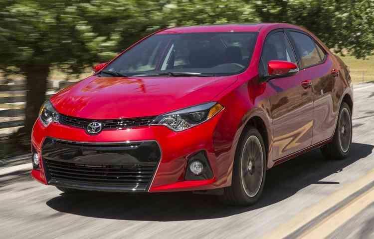 Modelos do Corolla produzidos em 2013 podem apresentar problemas no airbag do passageiro. Foto: Toyota / Divulgação -
