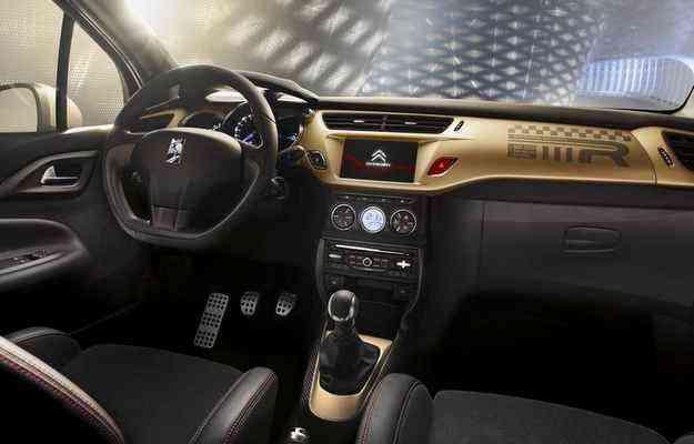O visual é puro glamour, já que o dourado predomina entre os detalhes externos e internos - Citroën/divulgação