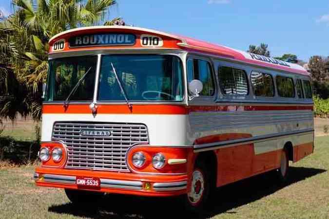 Ônibus Ciferal Rodoviário 1966 levou três anos até ser restaurado nos mínimos detalhesJulio Cesar Diniz/Divulgação Rouxinol