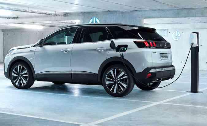 Conjunto debaixo do capô é capaz de entregar até 300 cv com uma economia de 62,5 km/l. Foto: Peugeot / Divulgação
