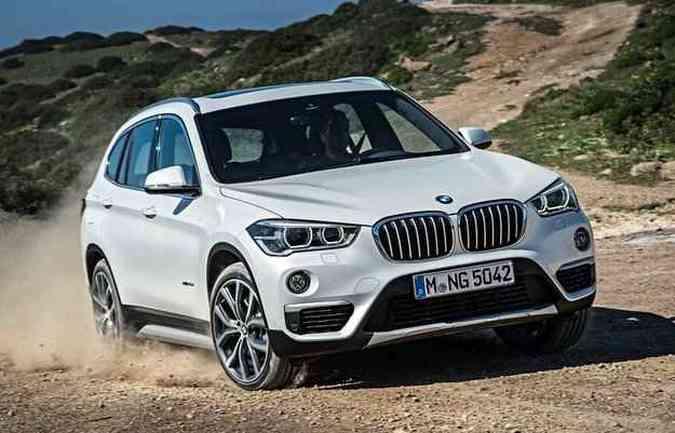 Novos para-choques e grade dianteira merecem destaque no visual(foto: BMW / Divulgação)