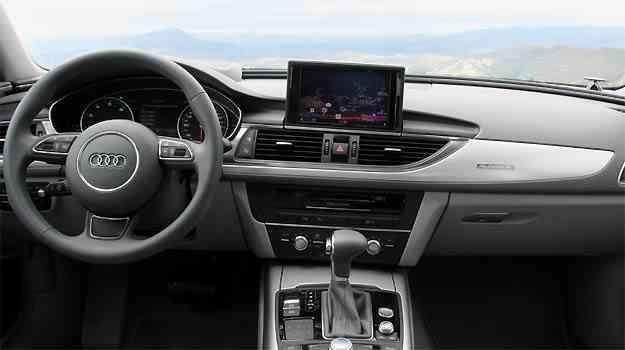 No novo painel, destaca-se a tela de sete polegadas - Andre Larangeira/Audi/Divulgação