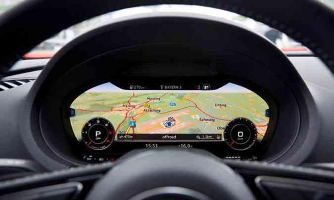 Pelo Virtual Cockpit o motorista consegue visualizar diversas funções, inclusive o mapa do GPS(foto: Audi/Divulgação)