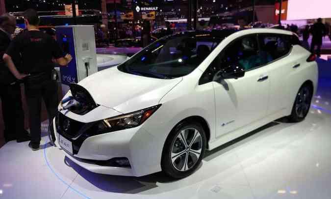 O modelo mais sustentável do setor automotivo foi o Nissan Leaf, que recebeu o prêmio 'Carro Verde do Ano'(foto: Nissan/Divulgação)