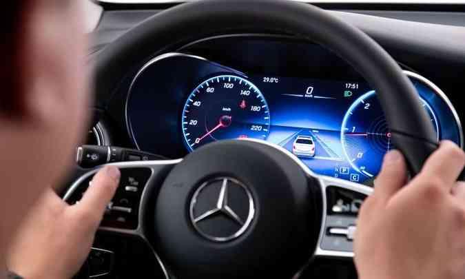 Painel digital com tela colorida de 12,3 polegadas permite diferentes configurações(foto: Estúdio Malagrine/Mercedes-Benz/Divulgação)