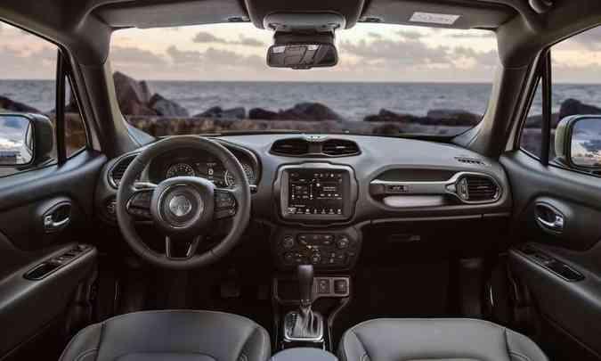 A Série Especial 80 Anos do Jeep Renegade traz a plataforma Adventure Intelligence(foto: Jeep/Divulgação)