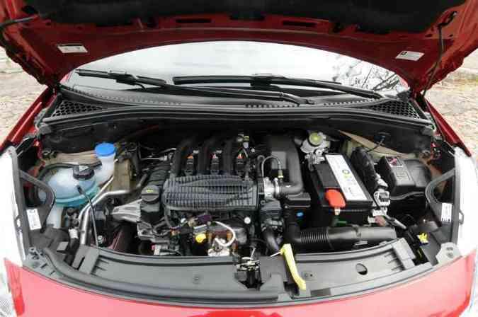 Motor 1.2 de três cilindros tem funcionamento suave(foto: Jair Amaral/EM/D.A Press)