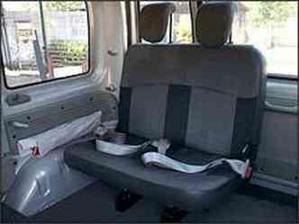 Kangoo pode levar até sete passageiros