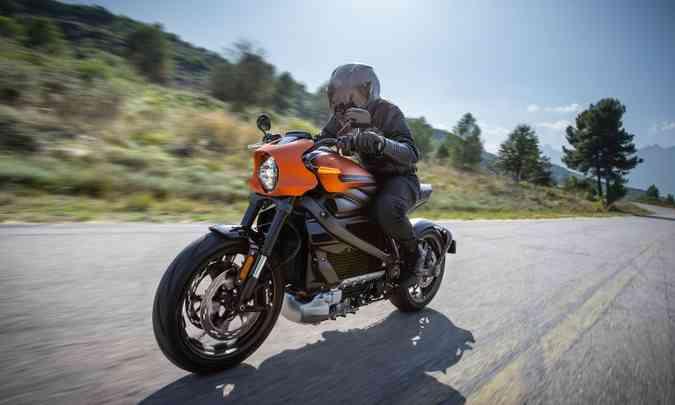 Autonomia é de 177 quilômetros e a aceleração até os 100km/h é feita em 3,5 segundos(foto: Harley-Davidson/Divulgação)