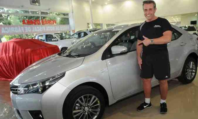 O personal trainer Ronaldo Brasileiro de Assis Martins compra o oitavo Corolla na Osaka: carro é fenomenal(foto: Cristina Horta/EM/D.A Press )