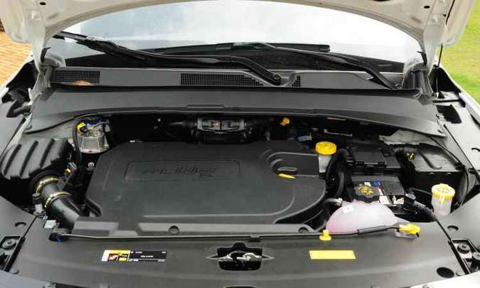 Motor 2.0 turbodiesel proporciona bom desempenho para o Jeep(foto: Gladyston Rodrigues/EM/D.A Press)