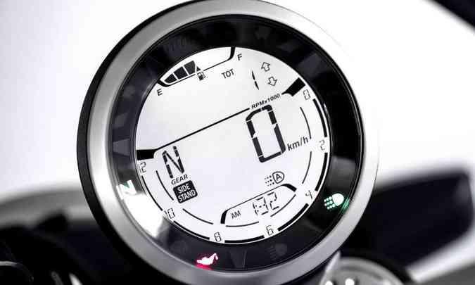 O painel em LCD tem instrumento único incluindo indicador de marcha e combustível(foto: Ducati/Divulgação)