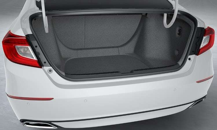 Porta-malas tem 574 litros de volume, 68 litros a mais que a geração anterior - Honda/Divulgação