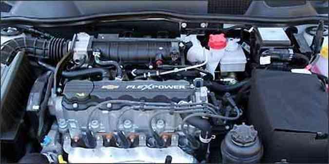 Motor 2.0 flex proporcional boa performance ao Astra(foto: Fotos: Marlos Ney Vidal/EM/D.A Press - 28/07/2009 )