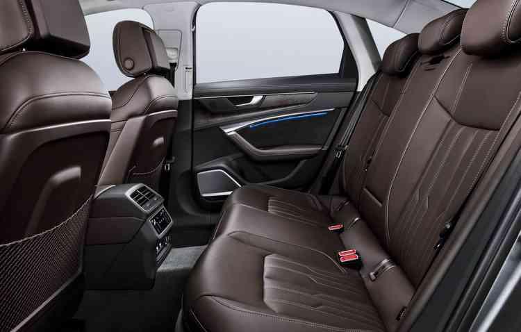 Sedã tem a capacidade de configurar a preferência de até sete perfis de usuários, personalizando até 400 parâmetros. Foto: Audi / Divulgação -