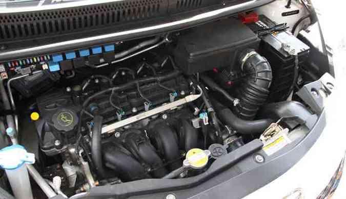 A JAC afirma que o carro tem motor 1.4, quando na verdade é 1.3(foto: Marlos Ney Vidal/EM/D.A Press)