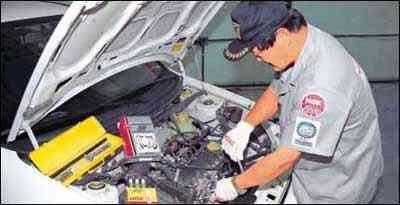 A NGK recomenda a revisão do sistema de ignição do carro a cada 10 mil quilômetros - NGK/Divulgação - 17/10/02