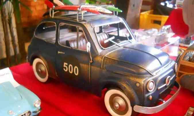 O charmoso Fiat 500 também pode ser visto na exposição(foto: Lec Comunicação/Divulgação)